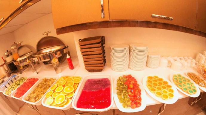 هتل ماهان قم بوفه صبحانه 1