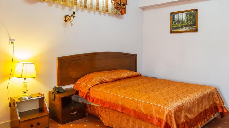 هتل تهرانی یزد اتاق دو تخته دابل 1