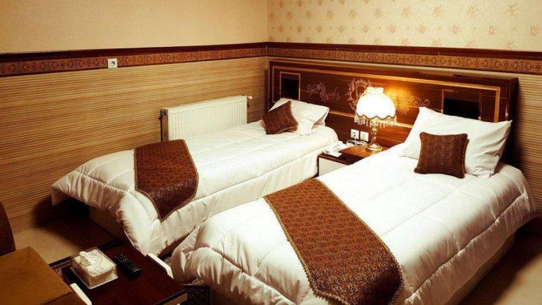 هتل الزهرا یزد اتاق دو تخته تویین