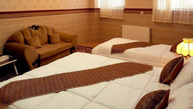 هتل الزهرا یزد اتاق سه تخته 4