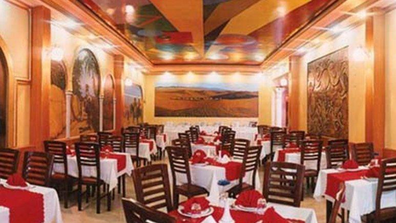 نمایی از رستوران هتل پارسیان کوثر