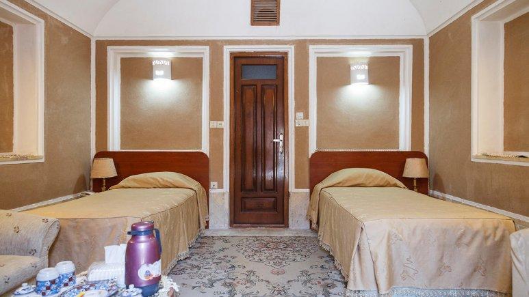 هتل کاروانسرای مشیر یزد اتاق دو تخته تویین1
