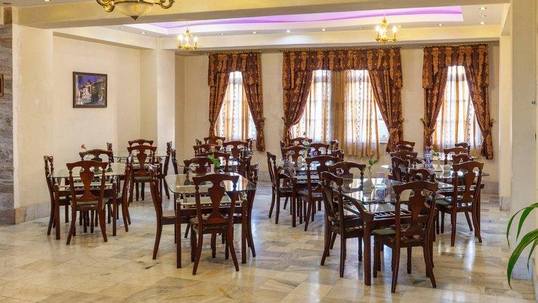 هتل آپارتمان شمس شیراز رستوران 2