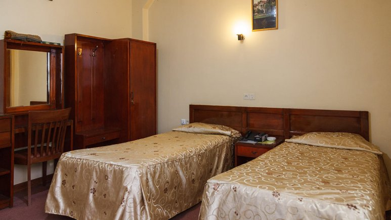 هتل کوثر شیراز اتاق دو تخته تویین 1