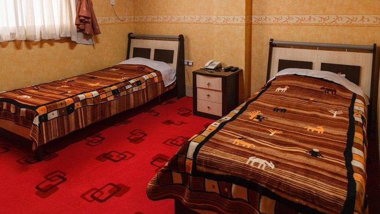 هتل صدرا شیراز اتاق دو تخته تویین 1