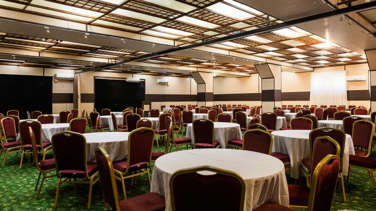 هتل ورزش تهران سالن کنفرانس