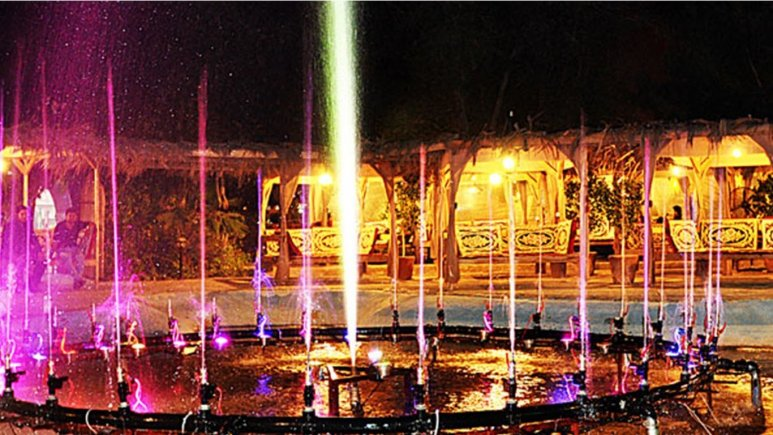 باغچه هتل پارمیس