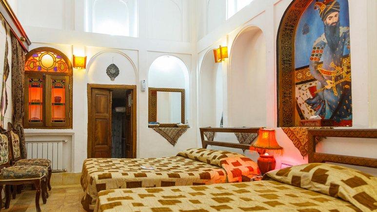 هتل موزه فهادان یزد اتاق سه تخته 2