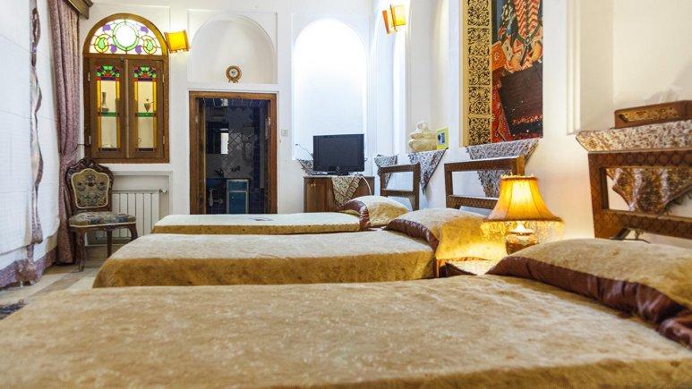 هتل موزه فهادان یزد اتاق سه تخته 3
