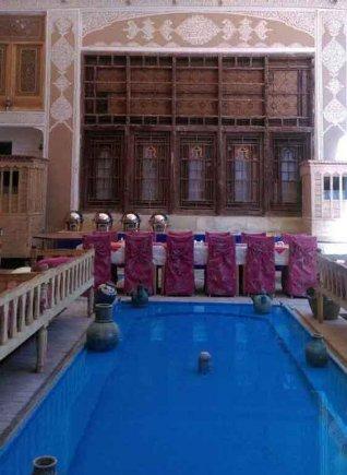 فضای داخلی هتل ملک التجار