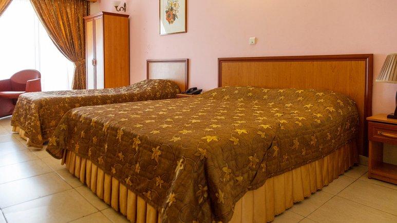 هتل گراند کیش سه تخته