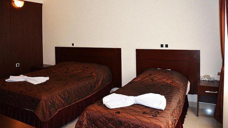 هتل ارم مشهد اتاق سه تخته 1