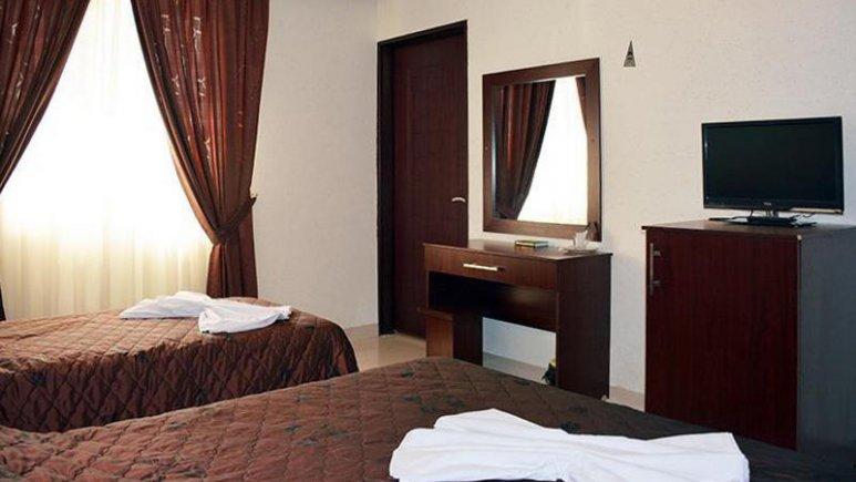 هتل ارم مشهد اتاق سه تخته 2