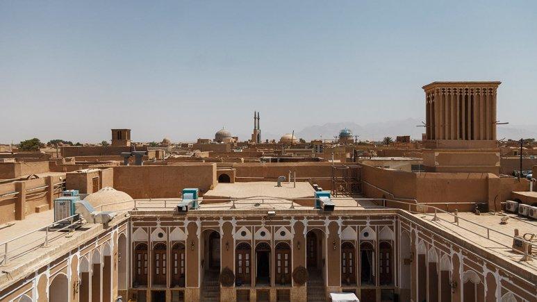 هتل سنتی مهر یزد نمای بیرونی 2