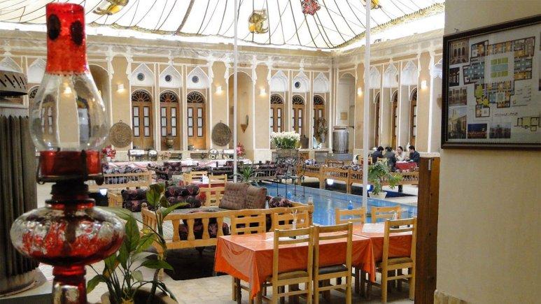نمایی از هتل سنتی مهر