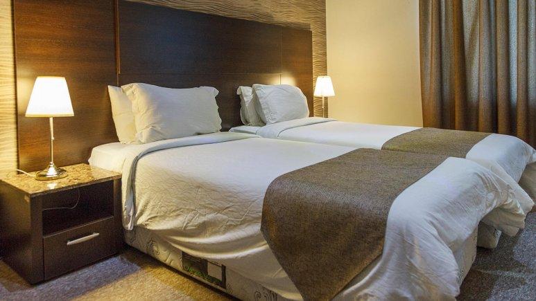 هتل سورینت صدف کیش اتاق دو تخته تویین