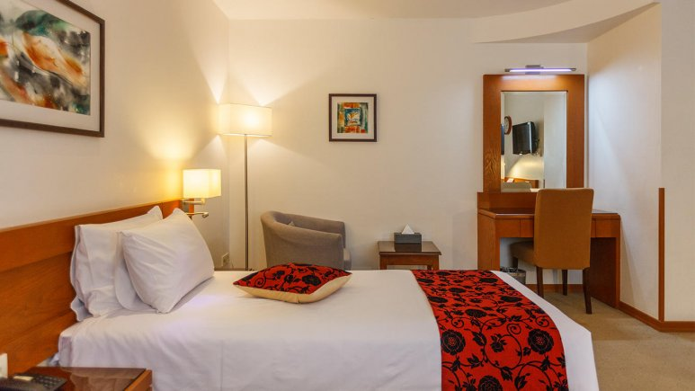 هتل الیزه شیراز اتاق یک تخته
