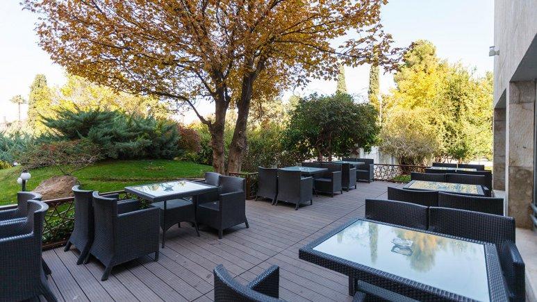 هتل هما شیراز فضای بیرونی هتل 2