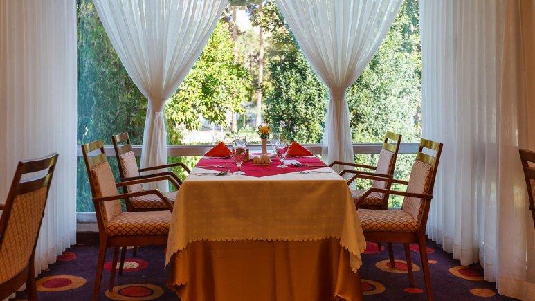 هتل هما شیراز رستوران 2