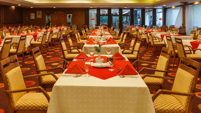 هتل هما شیراز رستوران 3