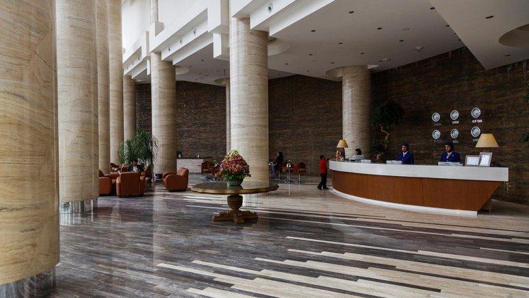 هتل بزرگ شیراز لابی