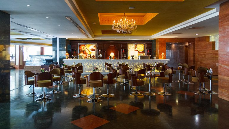 هتل بزرگ شیراز کافی شاپ