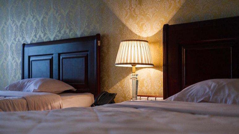 هتل بزرگ شیراز اتاق دو تخته تویین 1