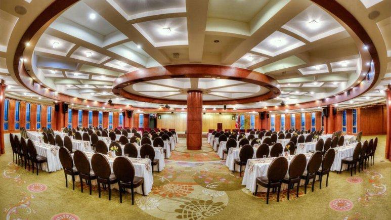 هتل بزرگ شیراز سالن همایش