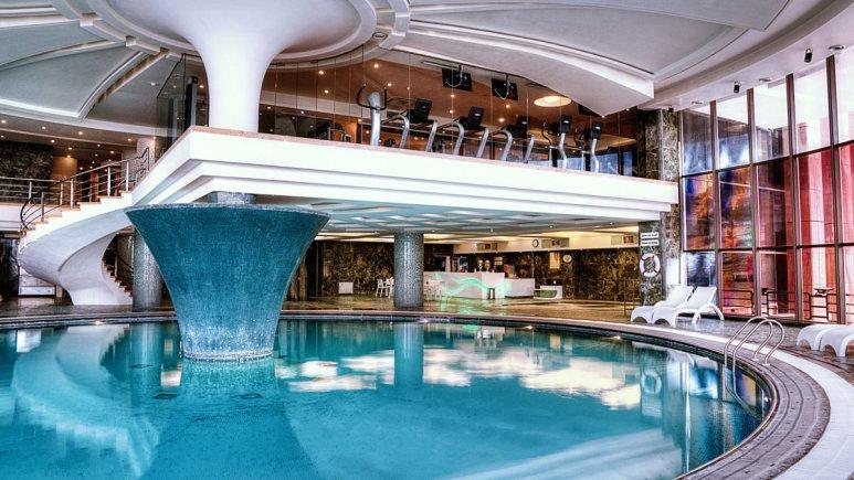 هتل بزرگ شیراز استخر آقایان 1
