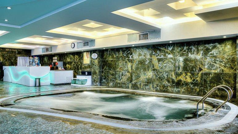 هتل بزرگ شیراز استخر آقایان 2