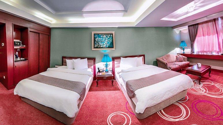 هتل بزرگ شیراز اتاق دو تخته تویین 4