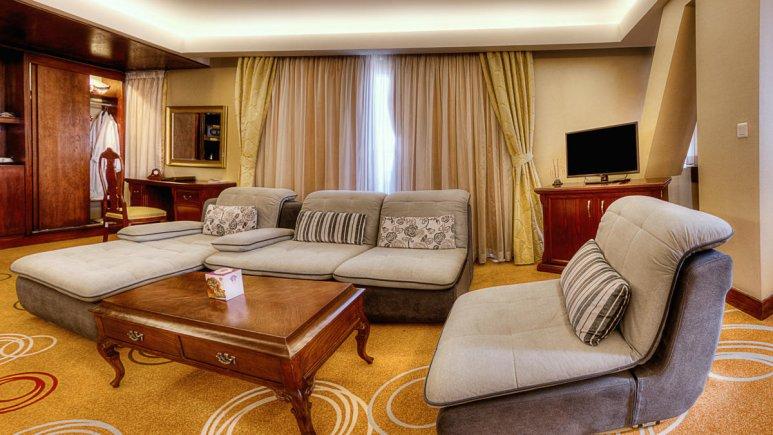 هتل بزرگ شیراز سوئیت 1