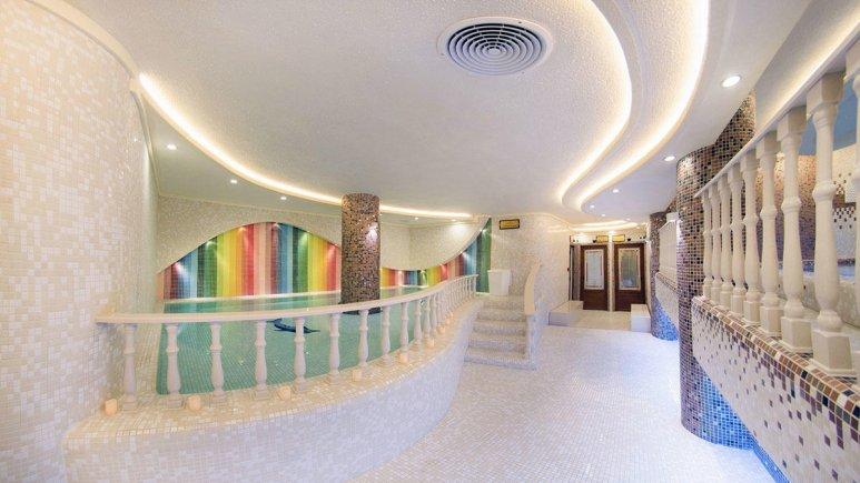 هتل بین المللی قصر مشهد استخر 2