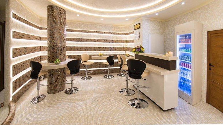 هتل بین المللی قصر مشهد کافی شاپ استخر