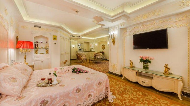 هتل قصر طلایی مشهد سوئیت دو تخته پرنسس رویال 1