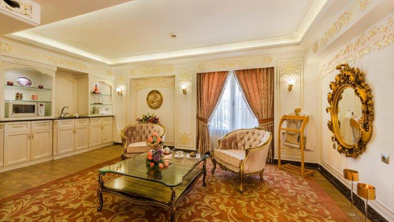 هتل قصر طلایی مشهد سوئیت دو تخته پرنسس رویال 3