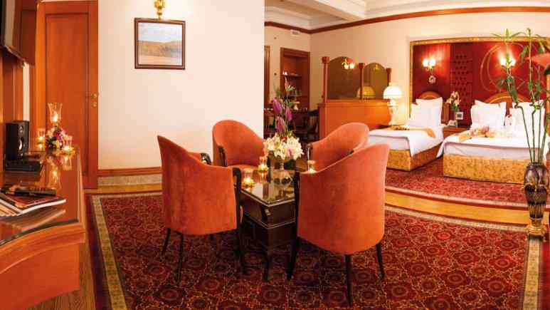 هتل قصر طلایی مشهد آپارتمان یک خوابه چهار تخته رویال 2