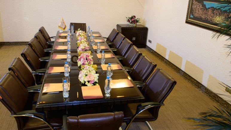 اتاق میتینگ هتل قصر طلایی