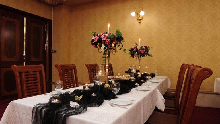 رستوران پرستیژ هتل قصر طلایی