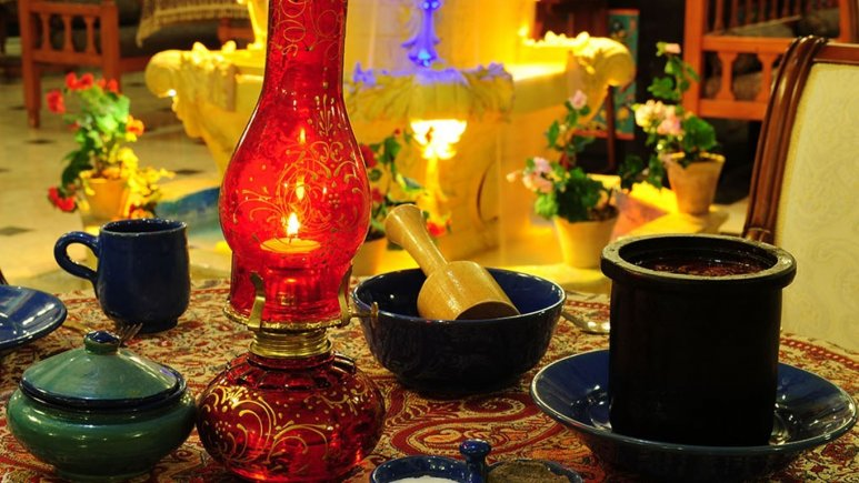 رستوران سنتی ترمه هتل قصر طلایی
