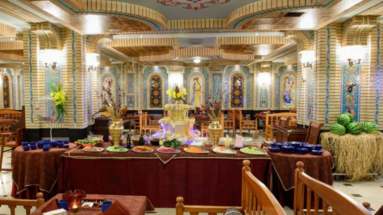 هتل قصر طلایی مشهد رستوران سنتی ترمه 4