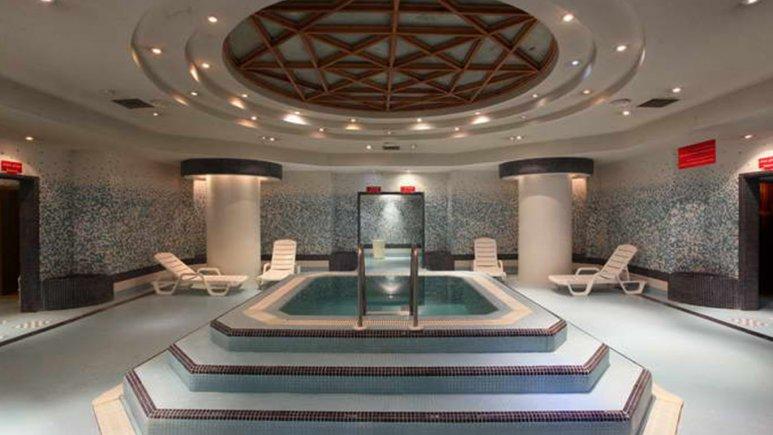 هتل پارس مشهد استخر 1