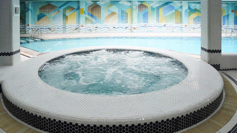 هتل عباسی اصفهان استخر 2