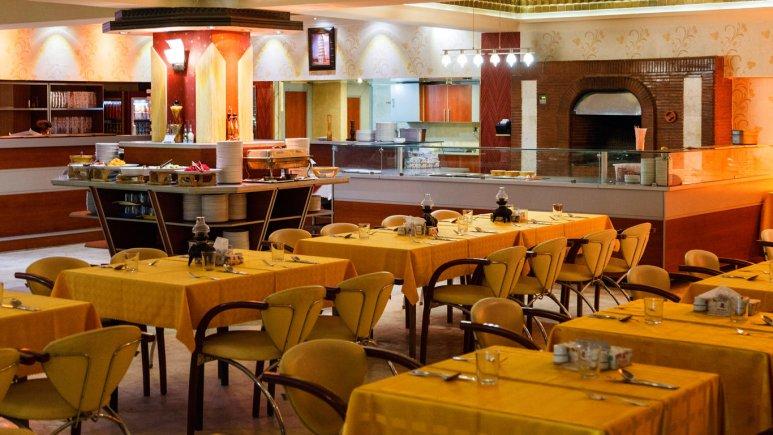 هتل پارسیان عالی قاپو اصفهان رستوران
