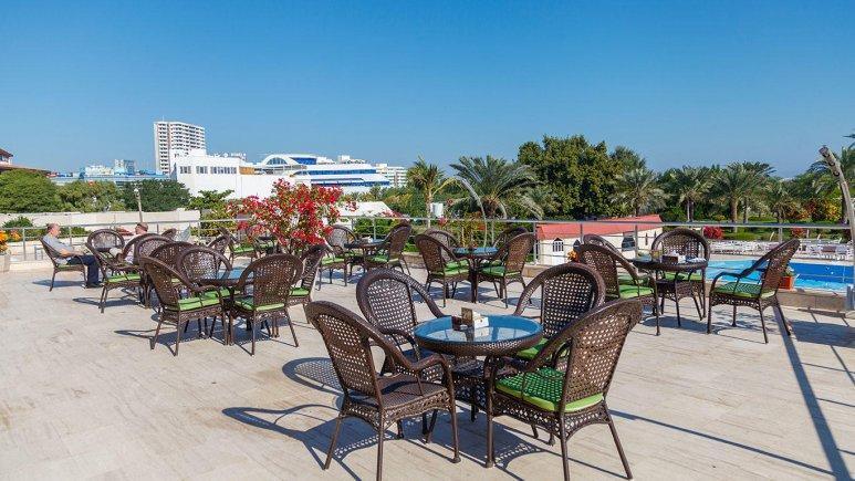 هتل شایان کیش کافی شاپ تابستانه