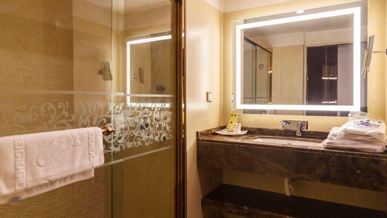 هتل شایان کیش سرویس بهداشتی 2