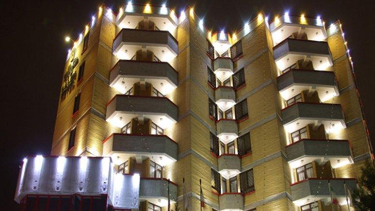 نمای بیرونی هتل لاله