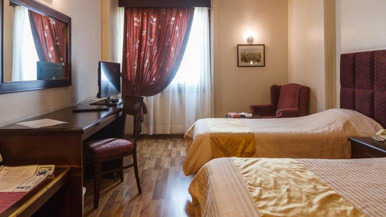 هتل ایران مشهد اتاق دو تخته تویین 2