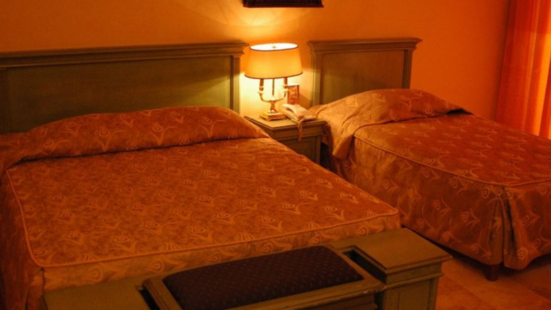 اتاق سه تخته هتل داریوش