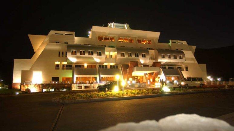 نمای بیرونی هتل امیر کبیر
